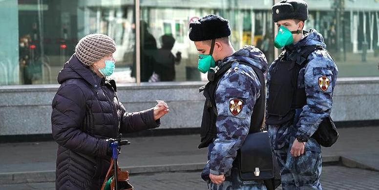 Как получить пропуск на выход из дома в Москве
